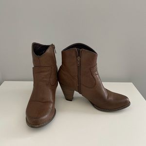 Tender Tootsie Ankle Brown Women's Boots